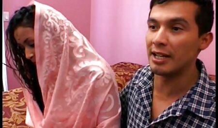 भूरे रंग आंखों के साथ एक आदमी हिंदी सेक्स वीडियो मूवी एचडी फाउंड्री में अपने साथी का परित्याग