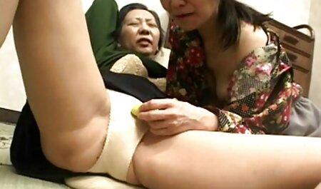 सेक्सी समलैंगिक जोड़े उत्सुक माँ बिस्तर में सेक्सी पिक्चर मूवी