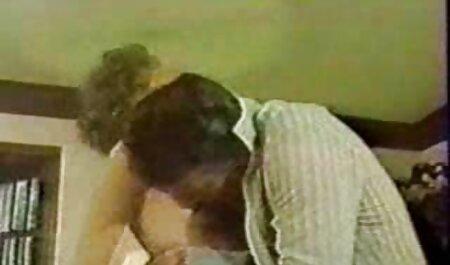 गंजा सेक्सी मूवी के वीडियो आदमी, उनके कार्यालय में एक सचिव