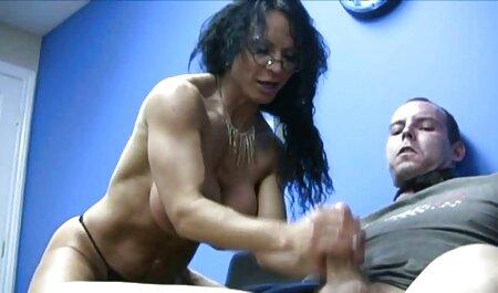उसकी पीठ, सुंदर लंबे समय पर हिंदी सेक्सी एचडी वीडियो मूवी नग्न झूठ बोल
