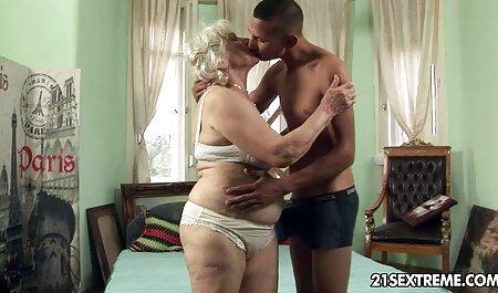 सुंदर एचडी सेक्सी मूवी हिंदी लड़की लंबे और उसे गधे के लिए रहने के लिए, एक दोस्त की मदद करता है