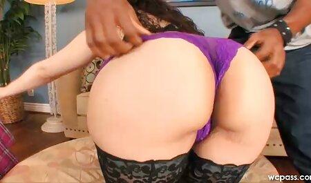 सुंदर साउथ की सेक्सी मूवी नायलॉन के साथ बहुत खुश